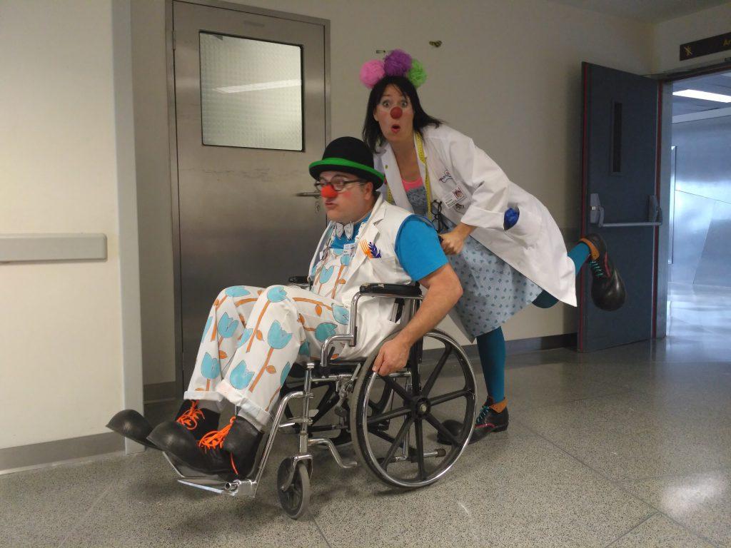 Payaso de hospital, qué hace